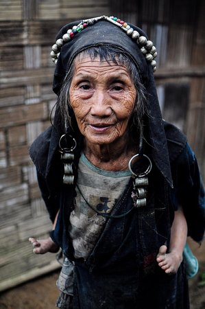 Amazing Lao Travel: Grandmother of the family we stayed with