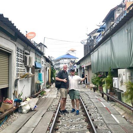 My Tour Guide Bangkok: Maekong Railway Market, Samut Songkharm, thailand