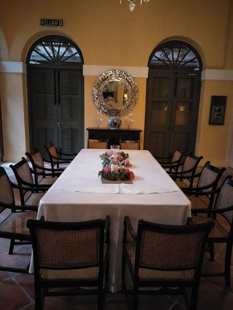 Suffolk House: interior