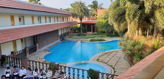Sparsa Resort: Swimming pool