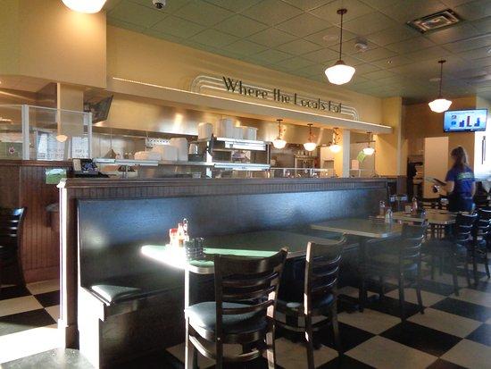 Metro Diner: inside