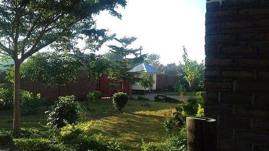 Lodge B: Gardens