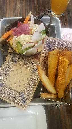 Guy Fieri's Vegas Kitchen: Hummus and Pita.
