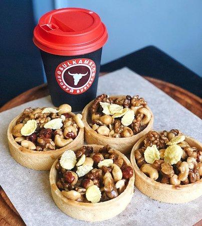 БulkаМясо: У нас можно полакомится нежнейшими десертами со свежесваренным кофе или ароматным чаем.