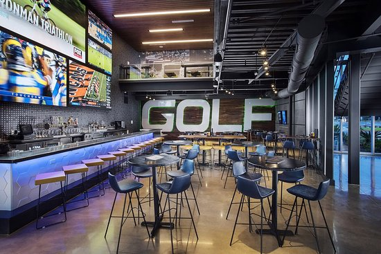 Topgolf Pharr restaurant and bar