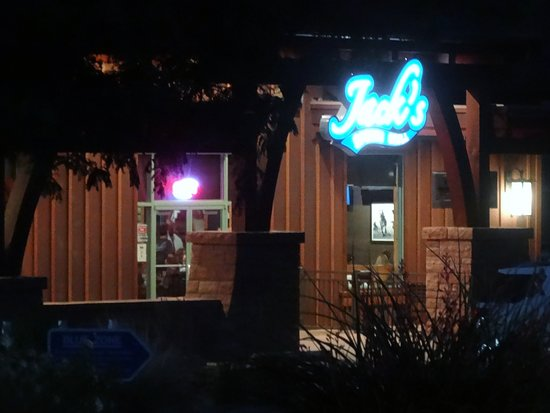‪‪Jack's Sports Grill‬: Jack's by night !‬