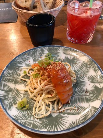 Carpaccio de saumon ou salade de céleri rémoulade au saumon ?