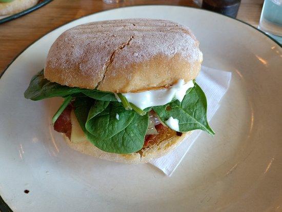 Froth & Fodder Cafe: Breakfast burger