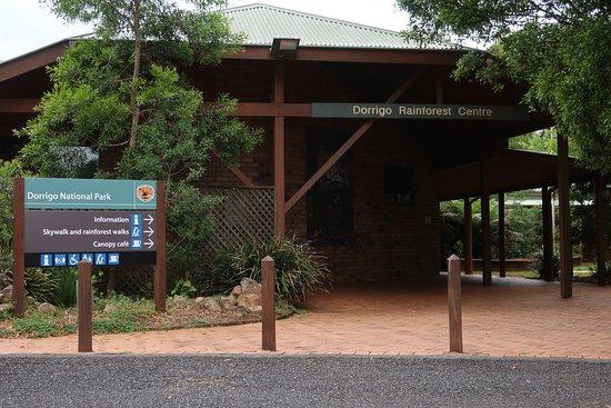 Entrance to the Dorrigo Rainforest Centre from the carpark