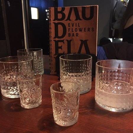 Baudelaire - Evil Flowers Bar