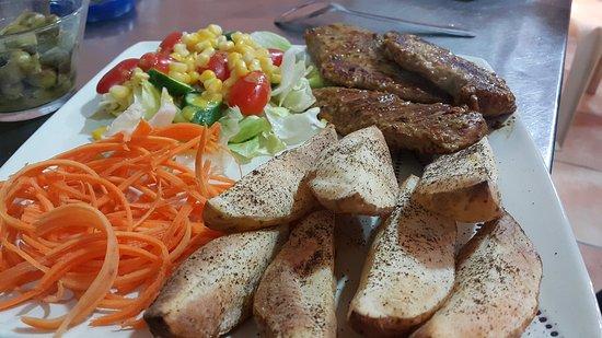 Kobayat, Ливан: some of our platters