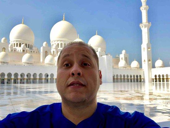 2Sheikh Zayed Grand Mosque Center 2