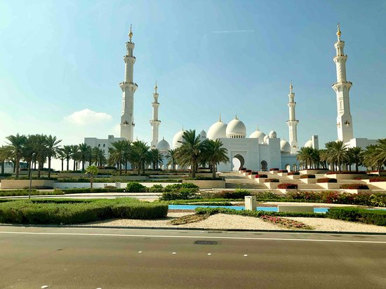Sheikh Zayed Grand Mosque Center 47