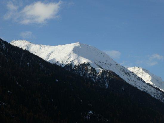 Ardez, Ελβετία: Aussicht am Morgen von der Terrasse
