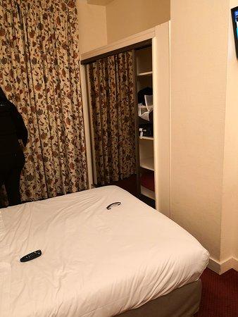 Hotel de Suez لوحة