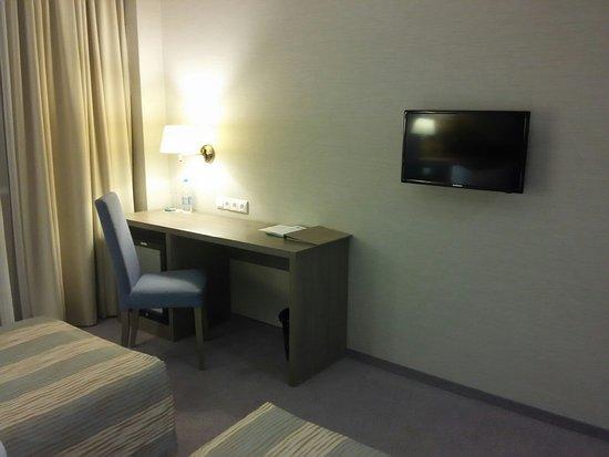 """В номере отеля """"Рига-Лэнд"""" слишком много свободного, неиспользуемого пространства"""