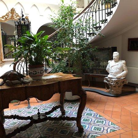 Hotel Residence Amalfi: Bellissimo staff gentile ed accogliente impeccabile