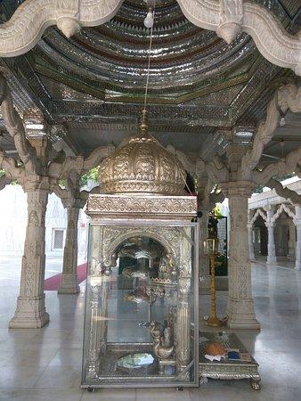 Jain Mandir Dadabari
