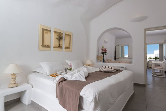 White Suite - Bedroom
