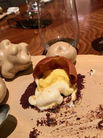 La Papa, un dessert unique d'une dextérité folle