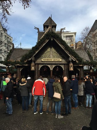 The Cologne Christmas Market: Side Elevation