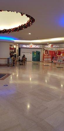 Centro Commerciale Montebello: IPER