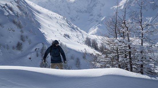 Vivid Snowboarding: Freeriding in Verbier