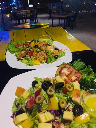 Seashore Restaurant: Salads