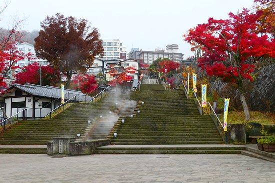 Ikaho Stone Steps: 凄い石段の迫力ですね。まるで巨大なお城みたいです。