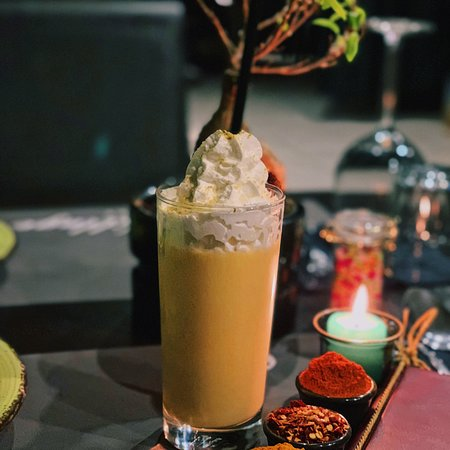 Food Village Restaurant: Mango lassi