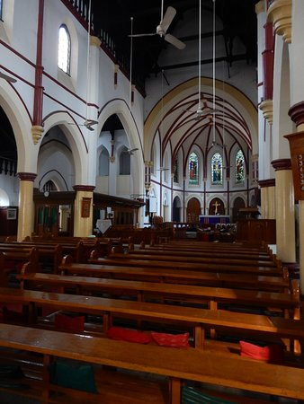Holy Trinity Cathedral: Nave