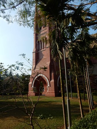 Holy Trinity Cathedral: Red Brick
