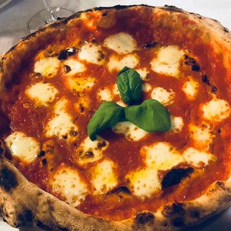 San Rocco al Porto, Italia: Pizza margherita alla napoletana