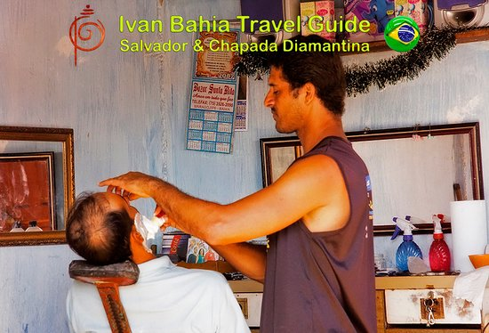 with Ivan Bahia Guide you will perceive the locals in their daily activities, a traditional barber shop