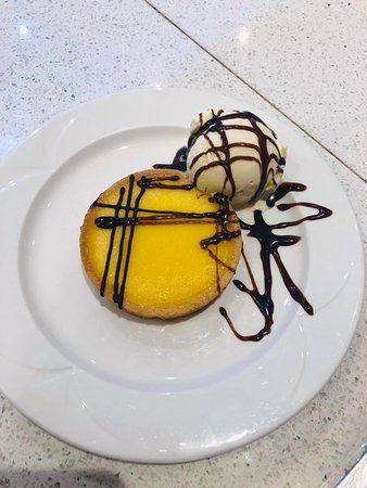 Gary's Fish & Chip Restaurant and Takeaway Clacton: Delicious desserts