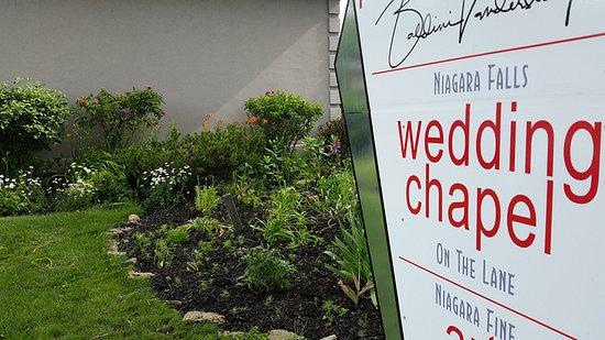 Niagara Falls Wedding Chapel on the Lane Indoor and outdoor garden chapels