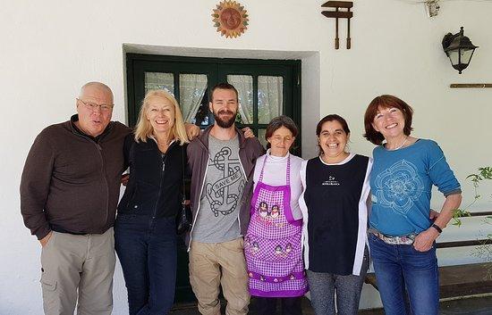 Cerro Colorado, Uruguay: Team mit Gästen
