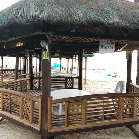 הנמל החופשי מפרץ סוביק, הפיליפינים: All Hands Beach