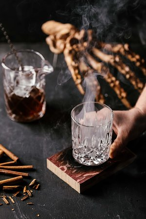 Evolve Spirits Bar: High end spirits bar on Hobart's waterfront