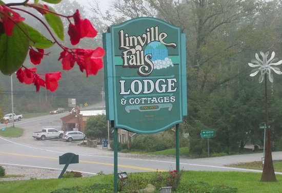 Linville Falls, NC: Lovely Lodge & Cozy Cottages