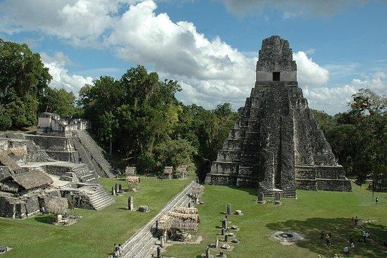 Excursión privada a la ciudad maya de...