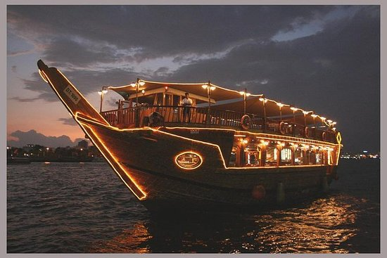 Dhow Dinner Cruise Dubai Creek com...