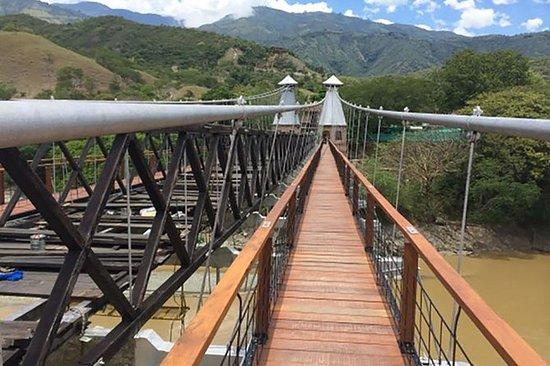 Visita turística privada de Medellín...