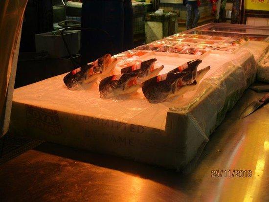 Hong Kong Food Tour: Tai Po Market: fish heads