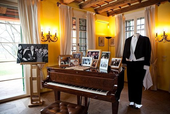Day trip to Pavarotti's House Museum...
