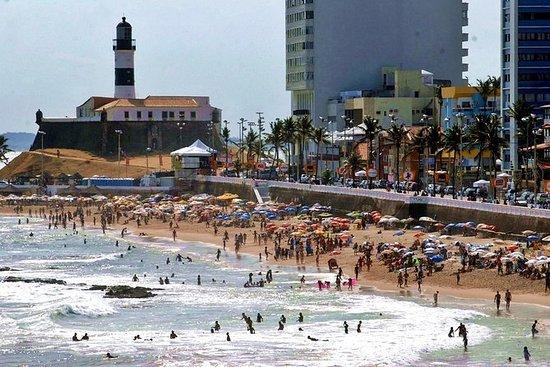 プライベート歴史的サルバドールダバイーアとビーチツアー