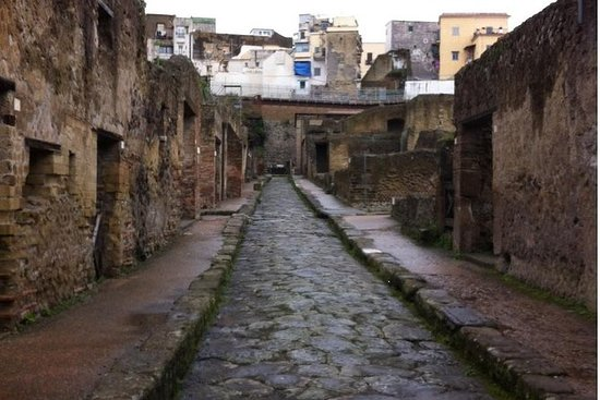 Naples City Tour and Pompeii...