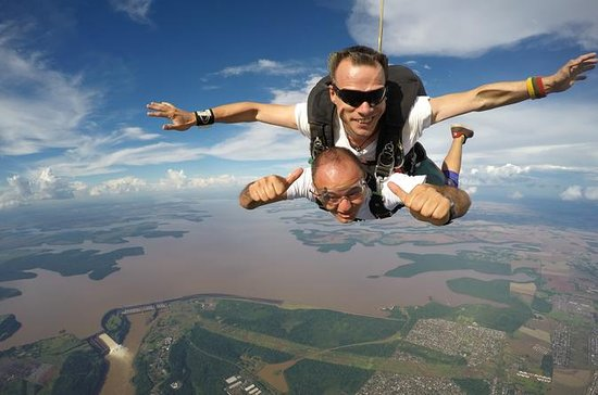 Skydiving in Foz do Iguacu