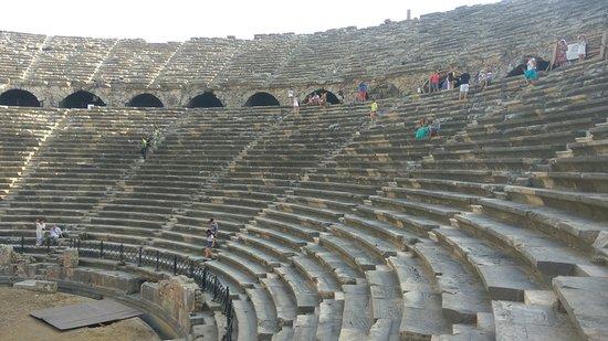 Side, Turkey: Амфитеатр в Сиде