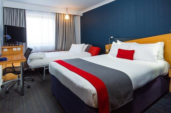 Quedgeley, UK: Guest room